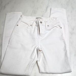 Madewell high rise skinny white jeans.  Sz 25